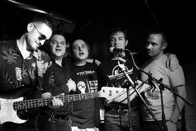 La junta de Club Elvis Spain con Luis Martín Sanchez, bajista de Augie Burr Y ETB